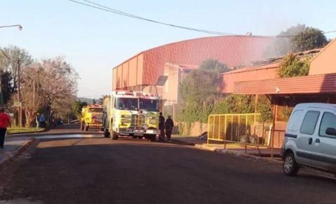 Bomberos combatieron principio de incendio en el IES