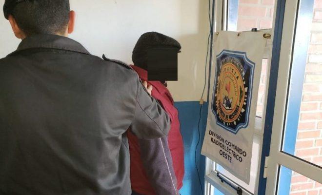 Septuagenario fue detenido por golpear a su pareja