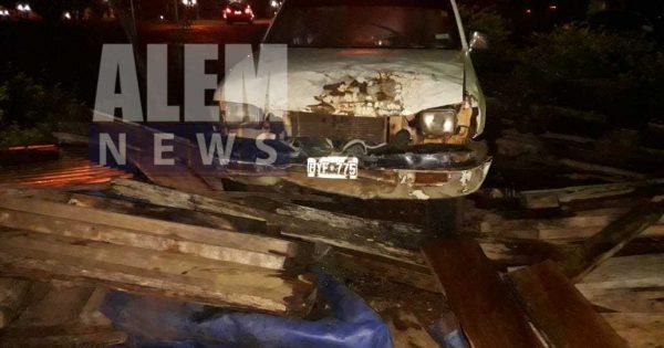 Camioneta sin frenos embistió a una mujer