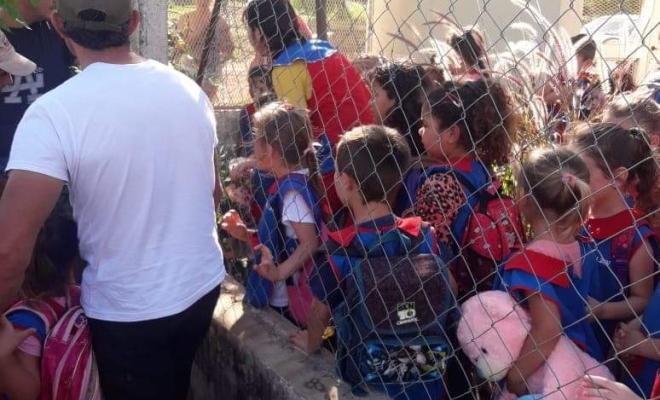 Escándalo en un NENI en Cerro Azul por niños que quedaron encerrados