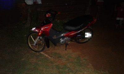 Buscó a su amante con la moto de su pareja, despistó y se agarraron en el hospital