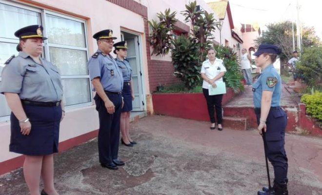 #Video: Oficial heroína asiste a mujer que se descompensó en el Banco Macro