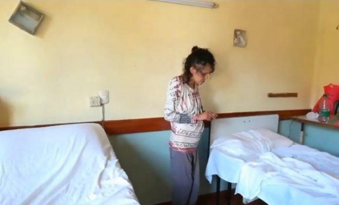 Quedó internada la mujer que se la había encontrado comiendo sus propios pañales