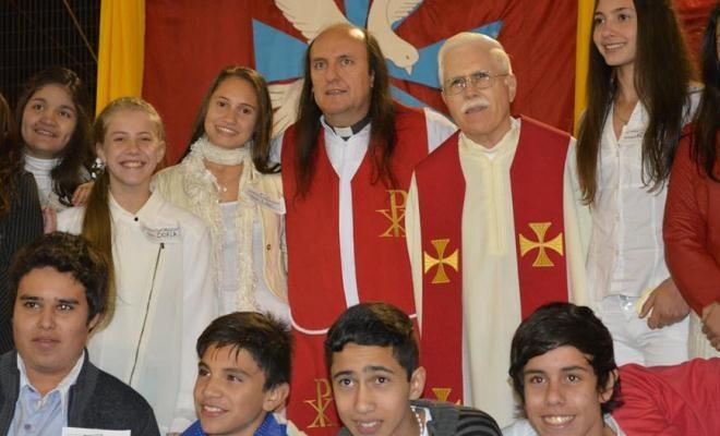 """El Padre Carlos """"atendió"""" a los políticos de turno (video),noticias de Alem,Alem Noticias,Padre Carlos,Audio,Video,"""